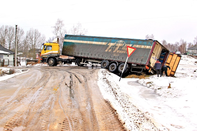 Why Food Related Trucking Accidents Are Funny, and Why We Really Should Not Be Amused